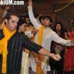 Ali Zafar dancing at his Mehndi