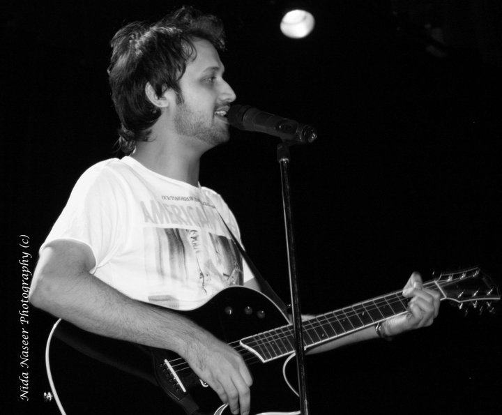 Atif Aslam playing live in concert