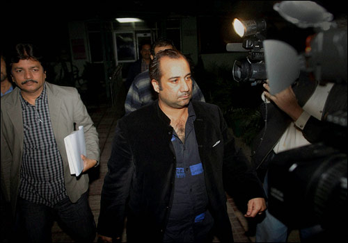 Rahat Fateh arrested for undeclared foreign currency