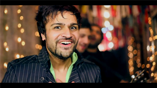 Junaid Younus Siege facial expression in aisi ke taisi music video