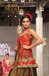 Hajra Hayat Bridal Couture Week 2011 Karachi (5) (Large)