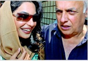 Meera Accuses Mahesh Bhatt of Abusing and Slapping her