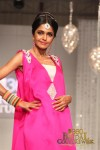 Shireen Hassan Bridal Couture Week 2011 Karachi (1) (Large)