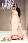 Zainab Sajid Bridal Couture Week 2011 Karachi (1) (Large)