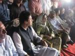 Ali Azmat with Imran Khan PTI Dharna Karachi