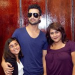 Atif Aslam with his Fans in Dallas (14)