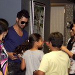 Atif Aslam with his Fans in Dallas (17)