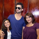 Atif Aslam with his Fans in Dallas (2)