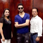 Atif Aslam with his Fans in Dallas (23)