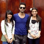 Atif Aslam with his Fans in Dallas (24)