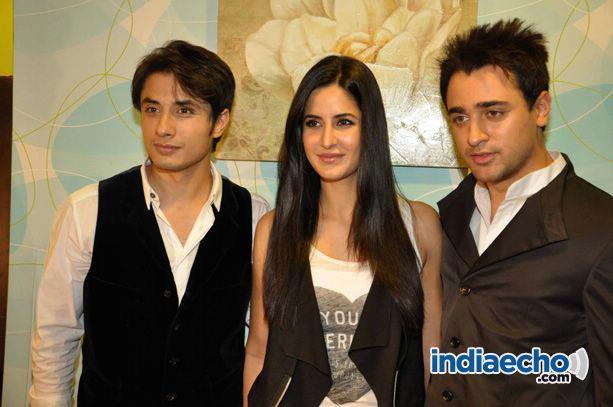 Ali-Zafar-with-Imran-Katrina-on-sets-of-Xfactor (1)