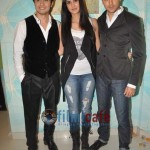 Ali-Zafar-with-Imran-Katrina-on-sets-of-Xfactor (11)
