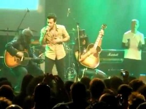 Atif Aslam singing Pink Floyd's Wish you were here with Slash and other Guns N Roses Members