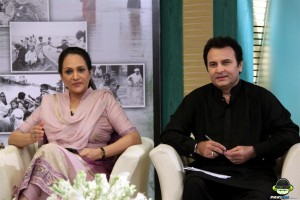 Bushra Ansari and Behroz Sabzwari hosting HUM TV Telethon 2011