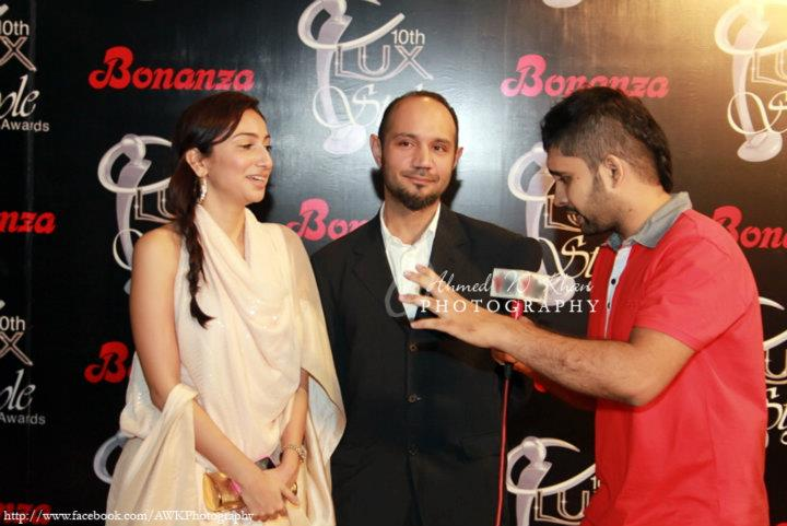 VJ-Anoushey-Faizan-at-10th-Lux-Style-Awards-2011 (38)