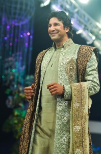 Waseem Akram walks at the ramp of Bridal Couture Week Lahore 2011