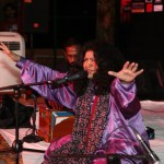 Abida Parveen Live in Royal Rodale (10)