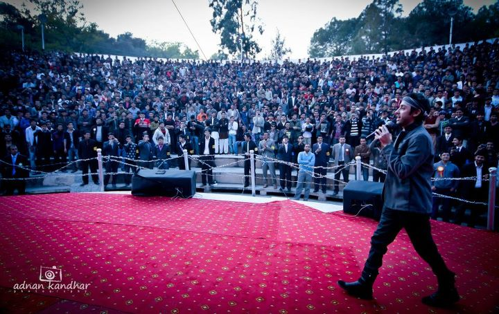 Amanat Ali Live at Punjab College, Islamabad (10)