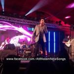 Atif Aslam Live at Golf Club, Karachi (8)