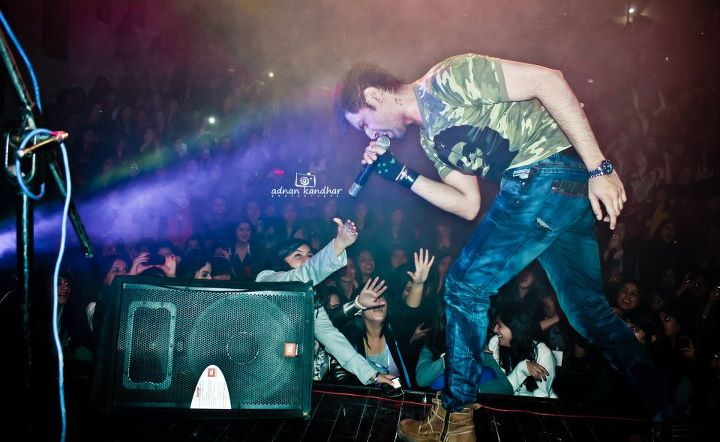 Roxen Live at Concert in Lahore (3)