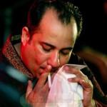 Rahat Fateh Ali Khan smoking cigerette live in a concert