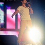 Ali Zafar Live in Iqbal Stadium Faisalabad 10th May 2012 (11)