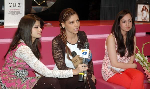 Hadiqa Kiani talking to Media in Press Conference