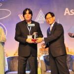pakistani-tv-producer-wins-world-tv-award-2012 (2)
