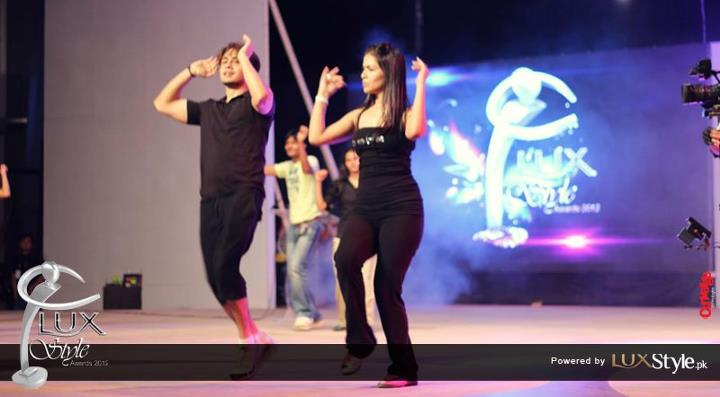 Ali Zafar and Humaima Malik rehearsing at Lux Style Awards 2012