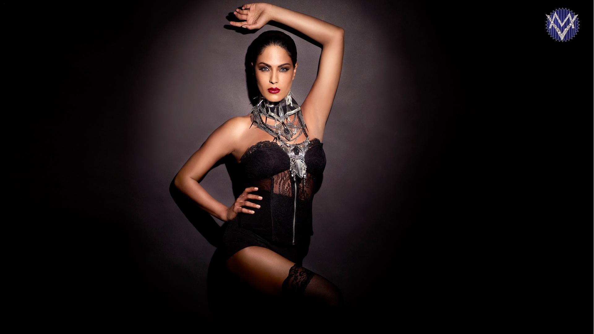 Veena Malik Drama Queen