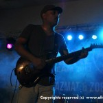ali-azmat-and-zoe-viccaji-live-at-multan (9)