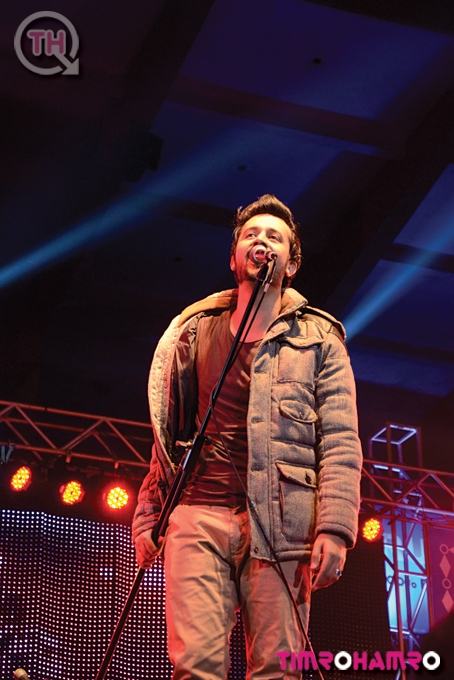 Atif Aslam Live in nepal on 30th November 2012 (10)