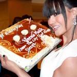 Veena Malik recieved 137 kisses on her hand - 2