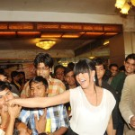 Veena Malik recieved 137 kisses on her hand - 4