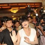 Veena Malik recieved 137 kisses on her hand - 6
