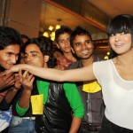 Veena Malik recieved 137 kisses on her hand - 9