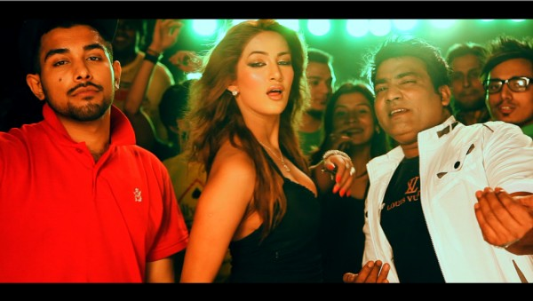 Malkoo Signed Mathira For His Upcoming Music Video