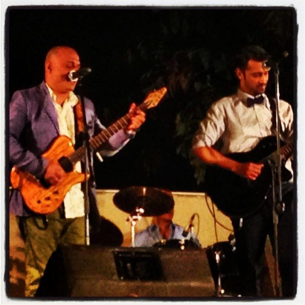 ali azmat performing with atif aslam valima