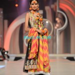 Amna-Ajmal-Bridal-Couture-Week-2013 (1)