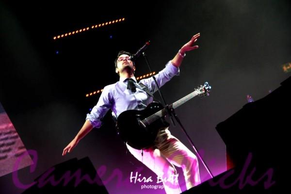 Atif Aslam live at LG Arena Birmingham (12)