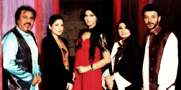 Jamhoriyat-Suroor-Band-ft-Sana-Hira-Javeria-Saud-Ayesha-Omar