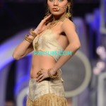 Nadia-Chotani-Bridal-Couture-Week-2013 (4)