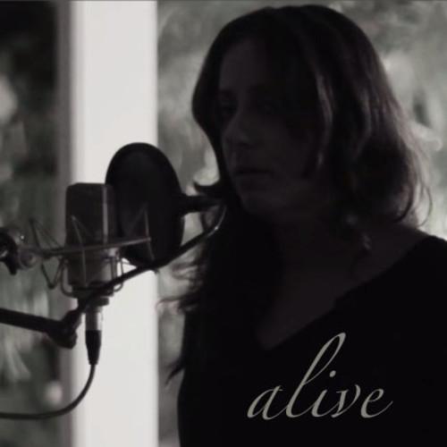 Aliya-Chinoy-Alive