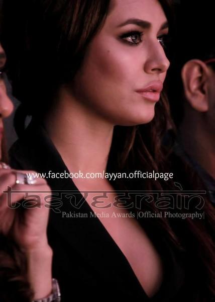 Ayyan Ali won Best Female Model award at 3rd Pakistan Media Awards (2012) - 1