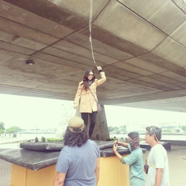 Humaima Malick on shoot of S4 commerical - 3