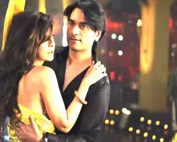 Mahnoor Baloch, Mathira and Humayun Saeed in Item song for Main Hoon Shahif Afridi