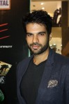 main-hoon-shahid-afridi-red-carpet-premiere-at-Atrium-cinemas (3)