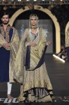 Fahad-Hussayn-PFDC-Loreal-paris-bridal-week-2013-day-2 (39)
