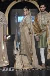 Fahad-Hussayn-PFDC-Loreal-paris-bridal-week-2013-day-2 (43)