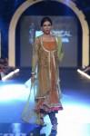 Misha-Lakhani-PFDC-Loreal-paris-bridal-week-2013-day-2 (11)
